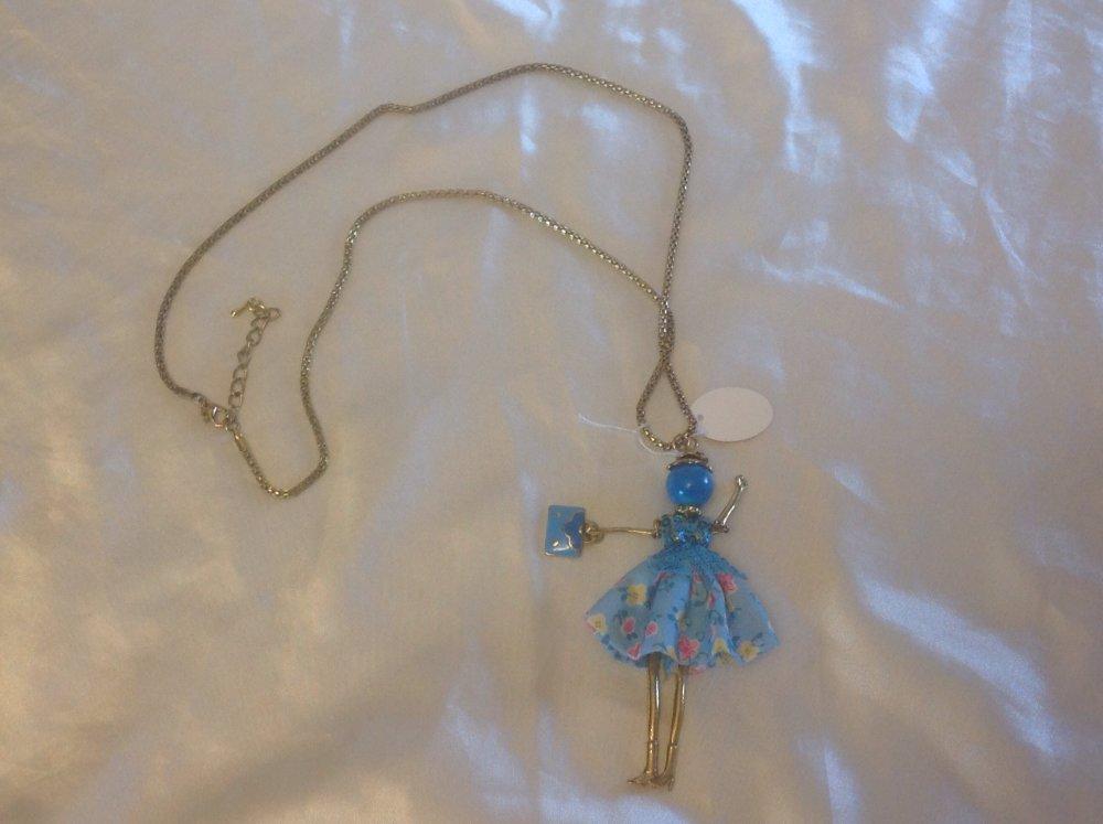 Sautoir poupée bleue