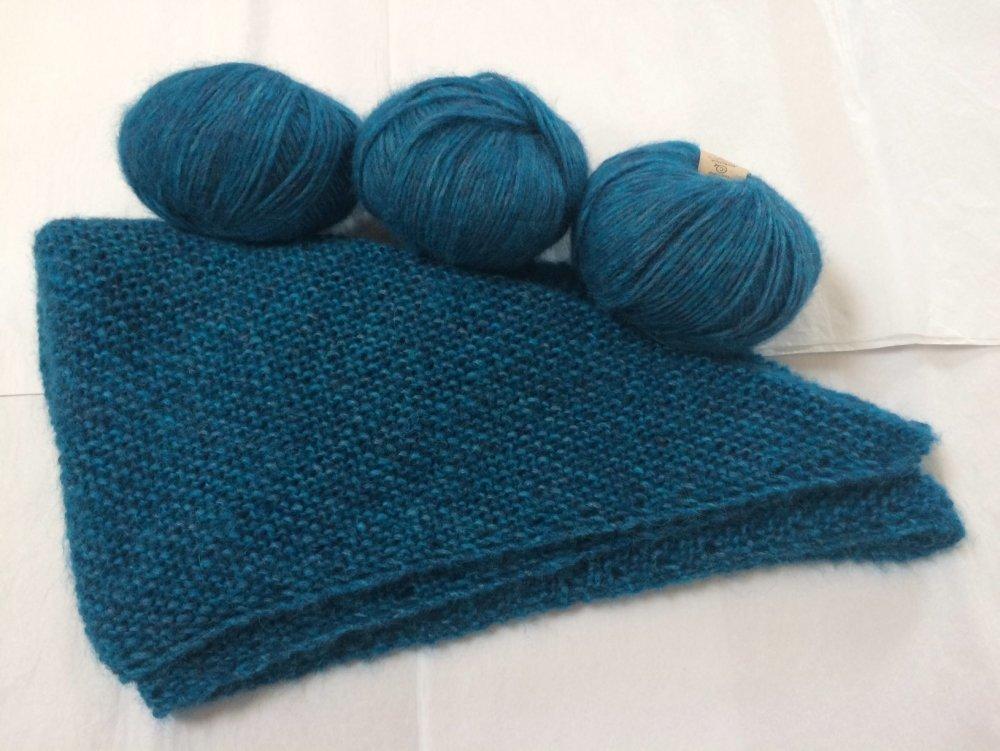 Châle bleu paon en alpaga très léger