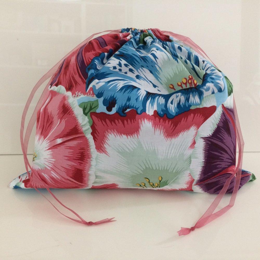 Pochon en tissu motif grandes fleurs multicolores