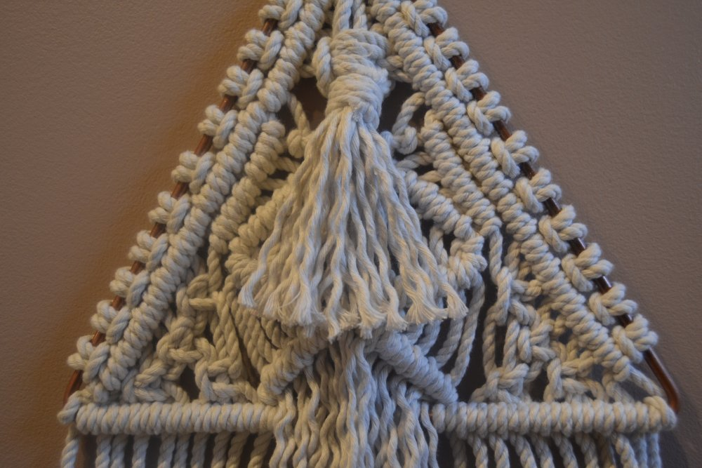 Decoration murale macramé triangle