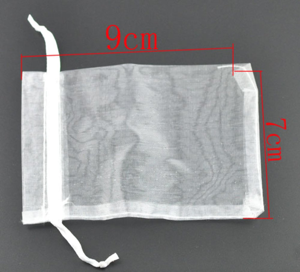 x10 Pochettes cadeau en organza blanc avec ruban de serrage 7x9cm