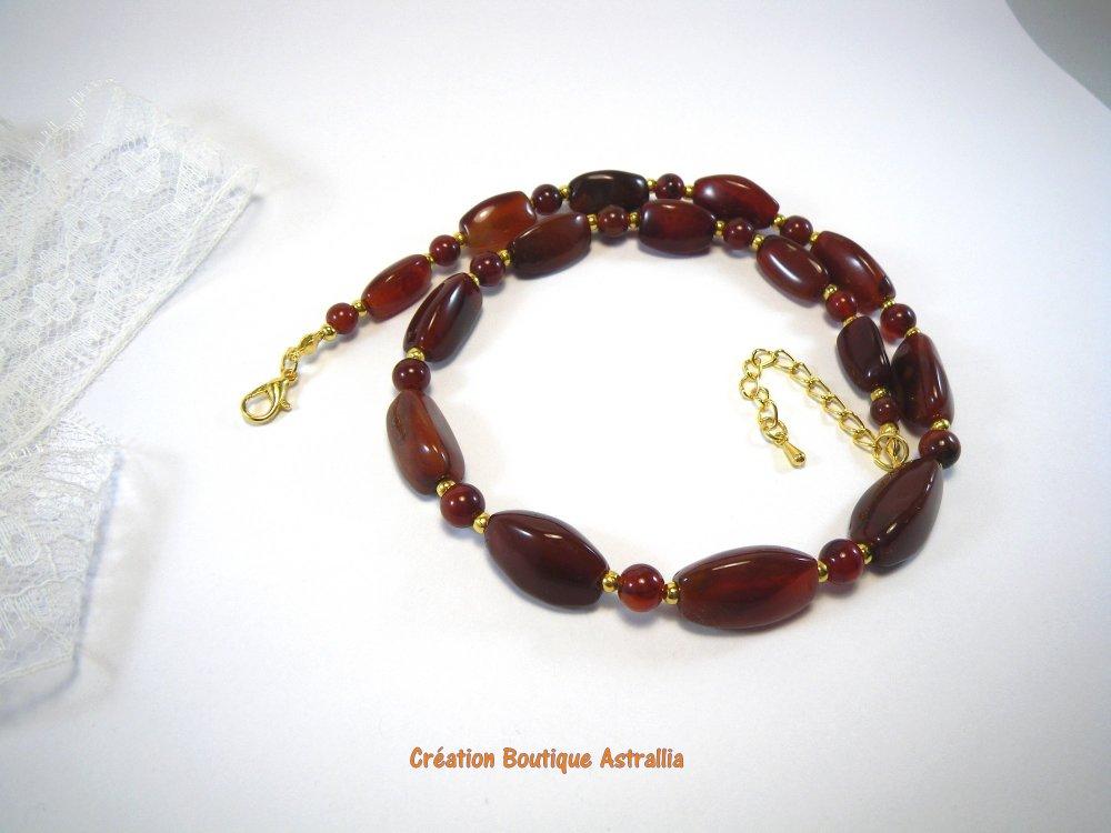 Collier court en pierres fines de cornaline rouge brun