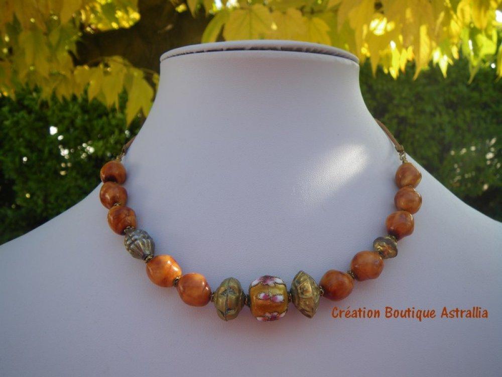 Collier en perles de verre de Thaïlande et perle cloisonnée