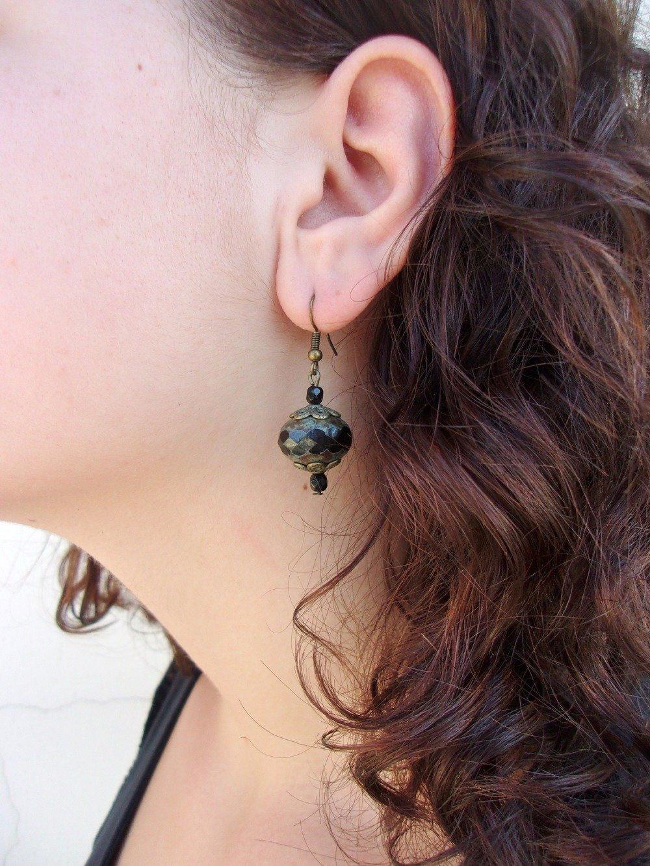 Boucles d'oreille noires, Boucles d'oreille cristal, Boucles d'oreille laiton, Boucles d'oreille style victorien, Boucles d'oreille gothiques, Boucles d'oreille perles