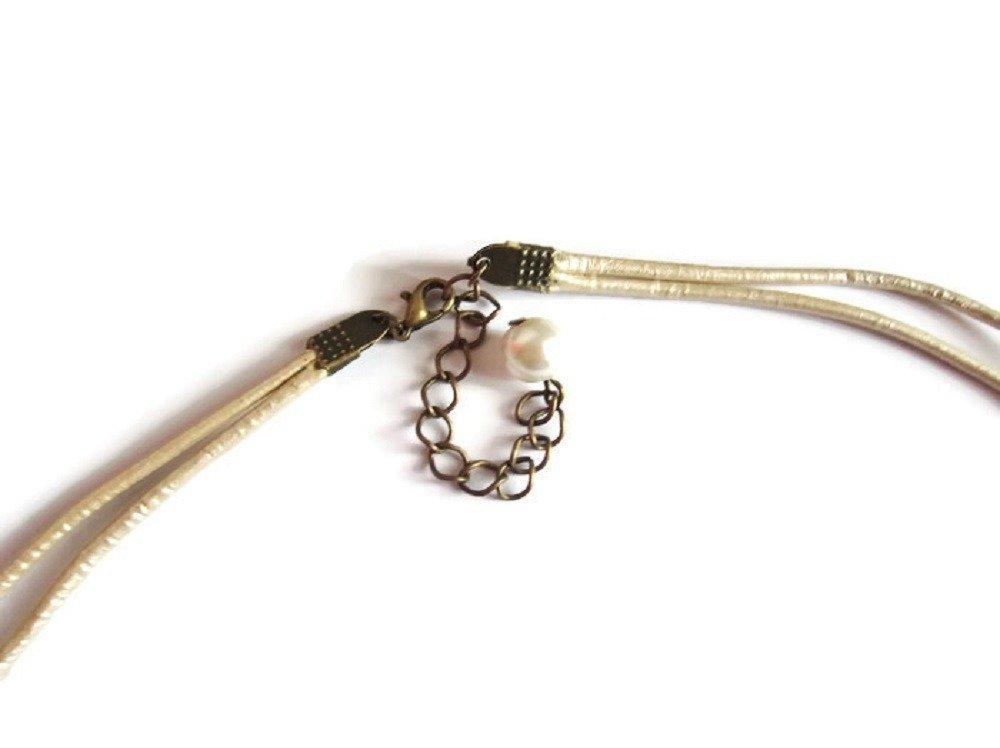 Collier pendentif femme brodé agate beige et miyuki, Collier mariage, bijou mariée