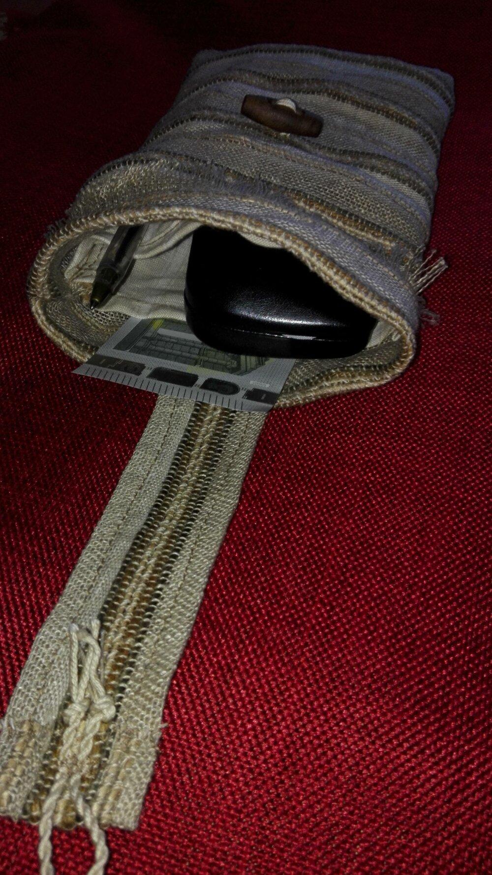 pochette smartphone  ou étui cigarette électronique en lin