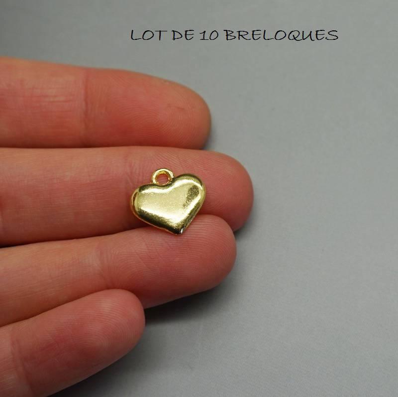 S27 Lot de 10 breloques coeur doré