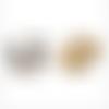 Pendentif / breloque tête de panda  - métal doré et émail blanc et noir