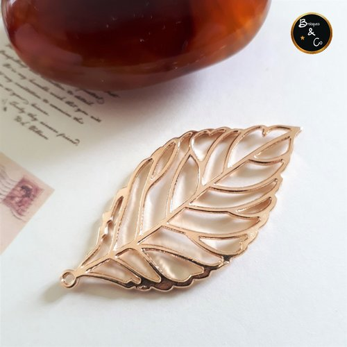 Grand pendentif feuille couleur or