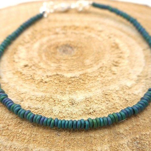 Bracelet fin a porter seul ou à assembler, perles de rocaille demi ronds vertes