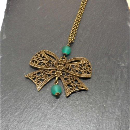 Collier sautoir pendentif noeud perle verte par breloques et cie