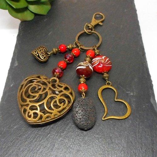 A parfumer!!! bijou de sac bronze,coeurs et perles tons rouge par breloques et cie