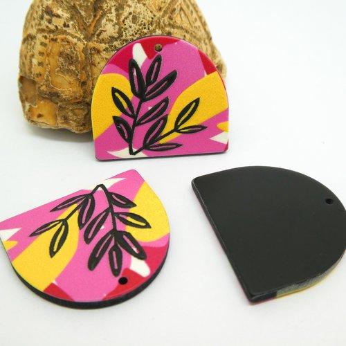 2 pendentifs en acrylique forme arrondie 25*23mm, rose motif fleurs noir, jaune (kr154)