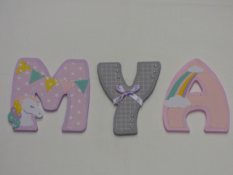 Lettre prénom bois/ lettre chambre bébé / prénom porte / lettre bois a  coller / plaque de porte/