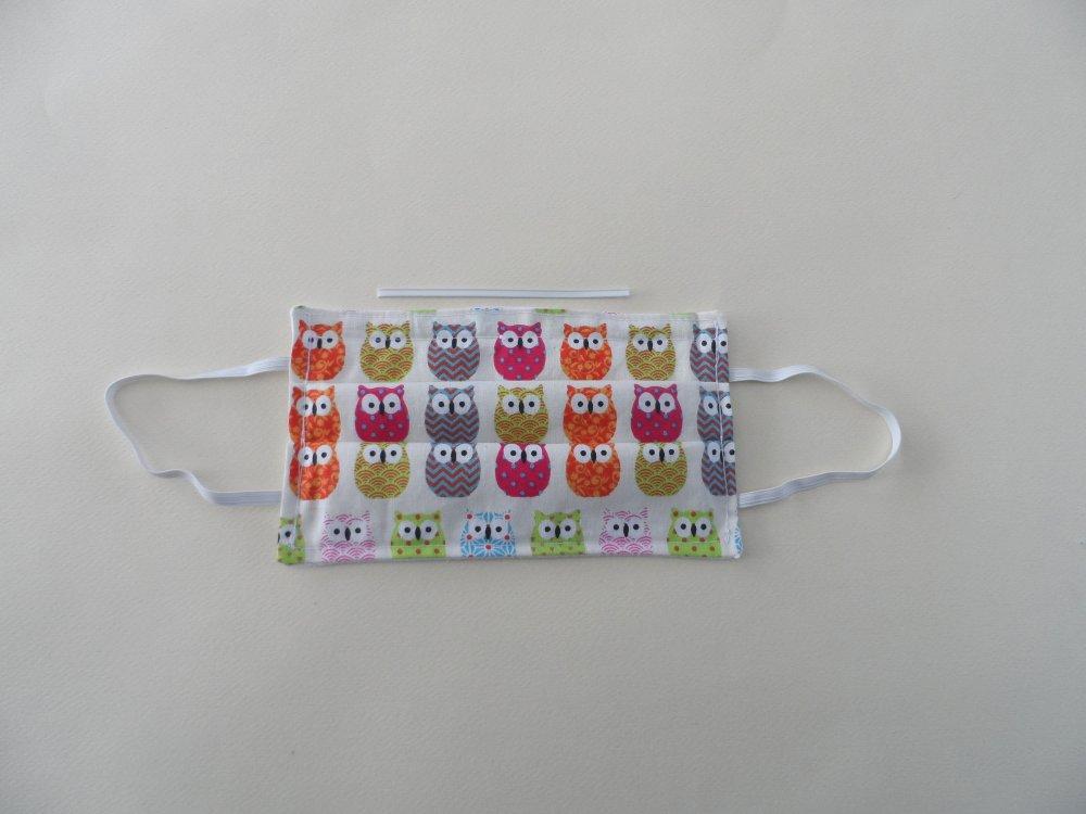 n°51 masque en tissu 3 couches  2 cotons et un molleton un pince nez incorporé à motifs chouettes envers blanc