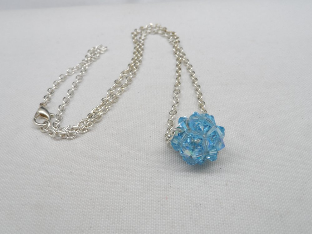 N°79 collier pendentif boule en cristal de swarovski bleu n°1