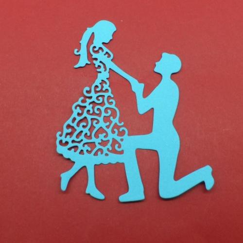 N°27 d'un couple demande en mariage en papier  bleu turquoise  découpage fin