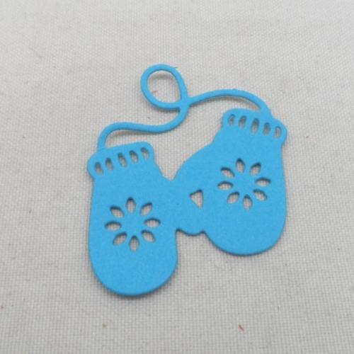 N°1341   paire de gants  en papier bleu turquoise n°2 découpage