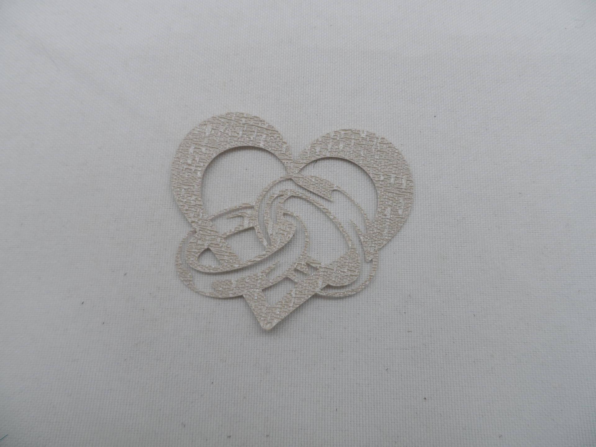 n°113   d'un cœur entrelacé avec des alliances  en papier tapisserie lin brillant beige  découpage