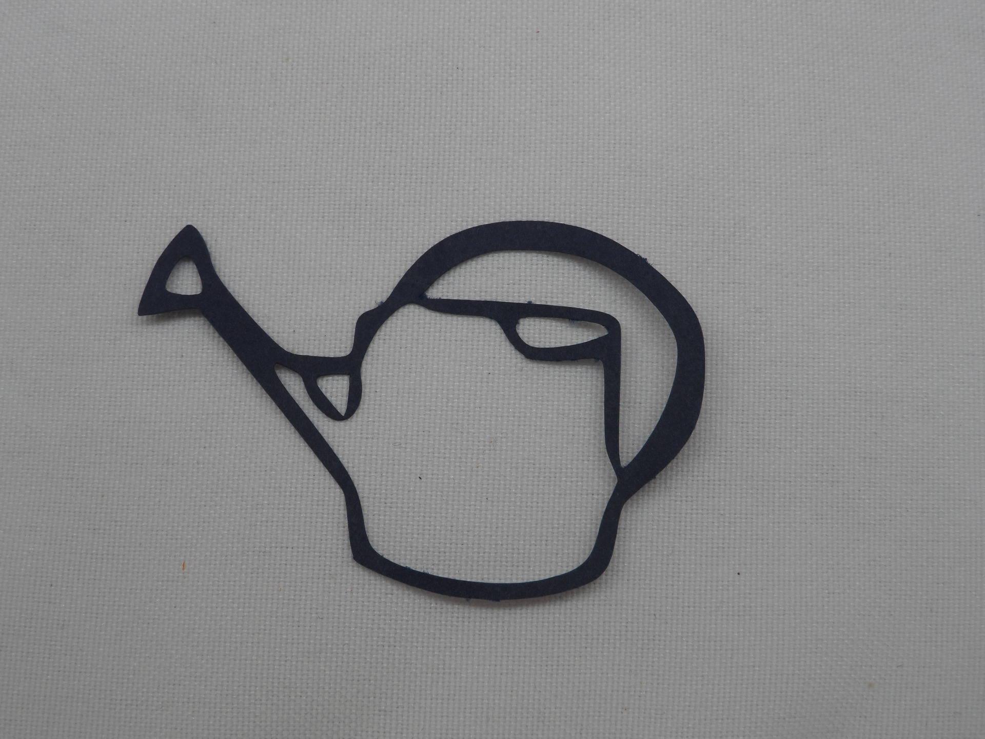n°216  petit arrosoir en papier   bleu marine    découpage fin