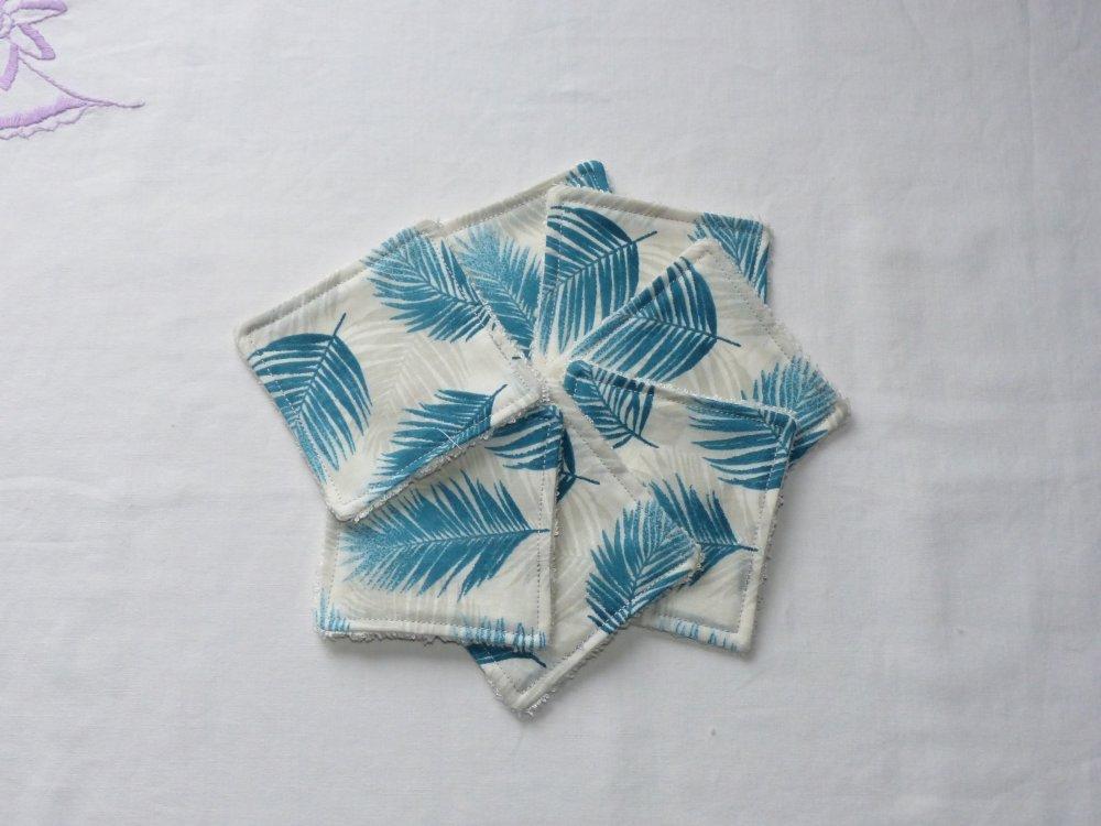 Lingettes démaquillantes et panier de rangement en tissu original