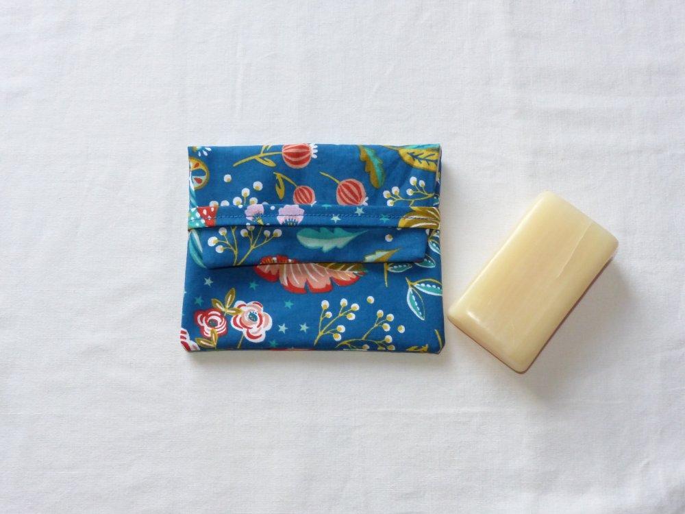 Etui à savon doublé en tissu enduit
