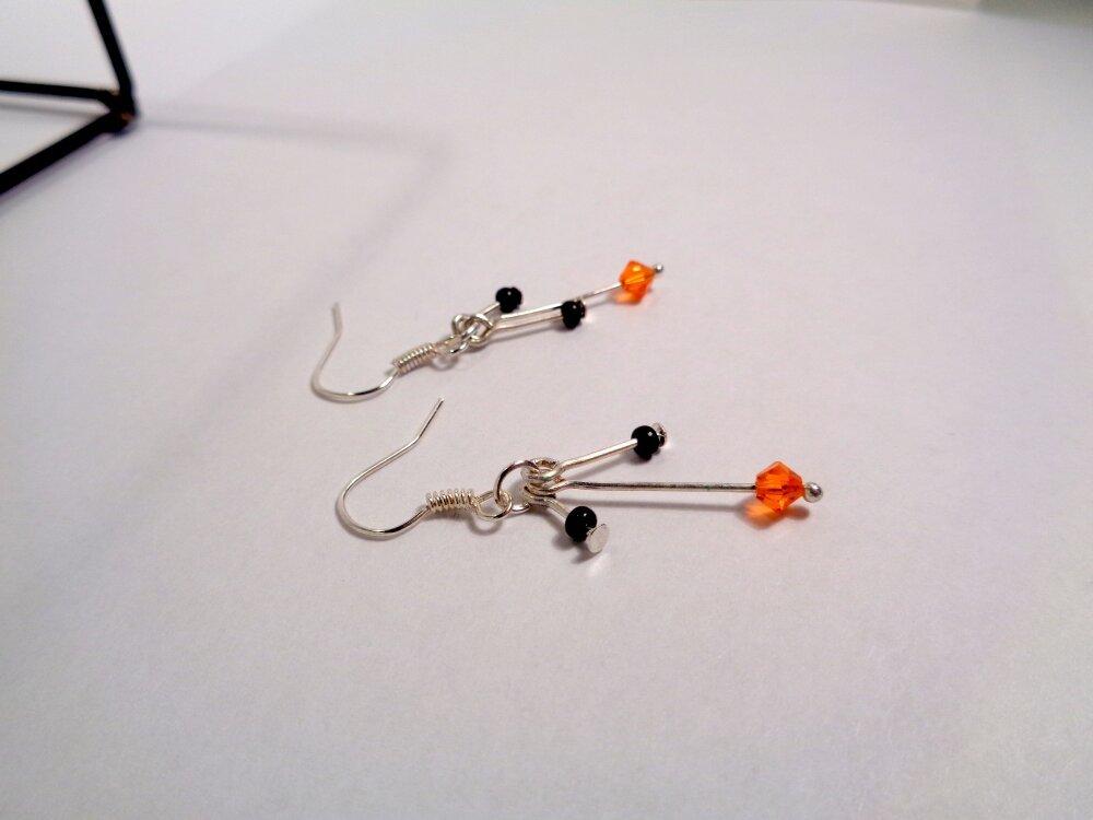 Boucles d'oreilles courtes argentées orange