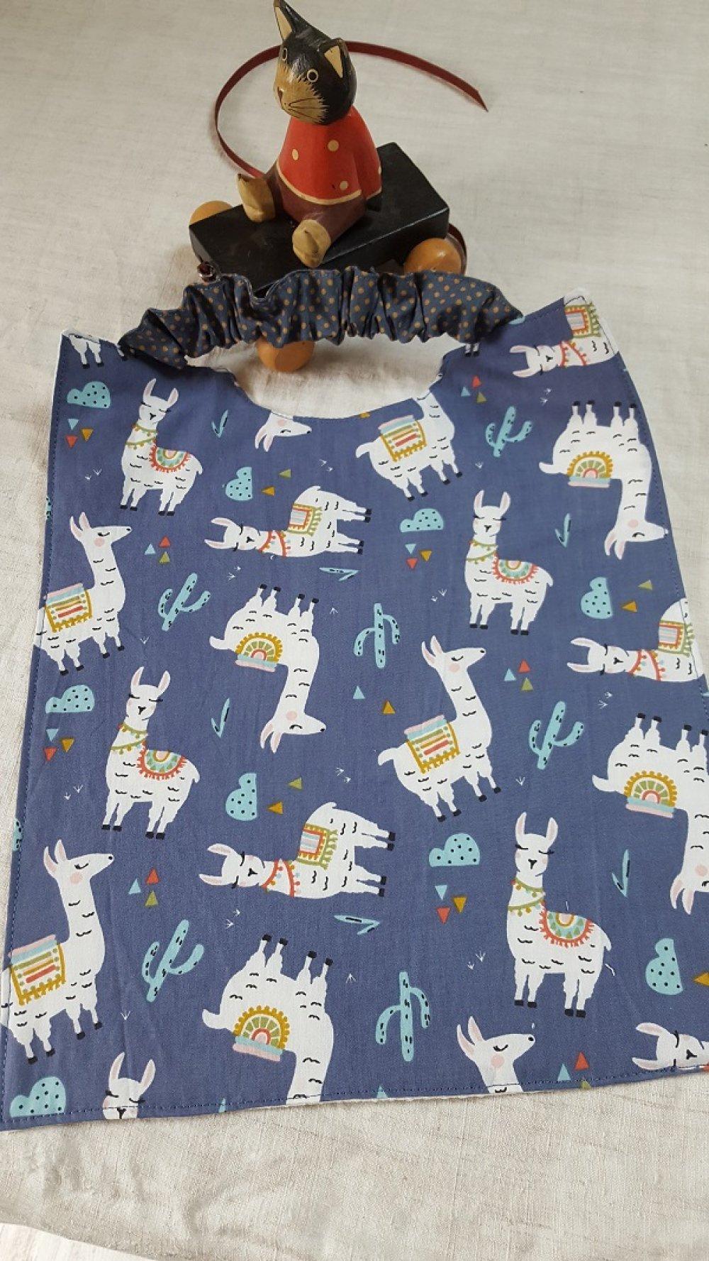 Serviette à élastique imprimée de lamas, fond bleu jean