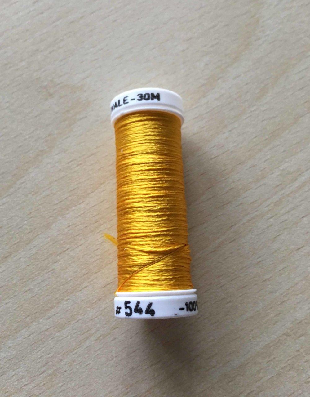 bobine de soie ovale 544 jaune vif