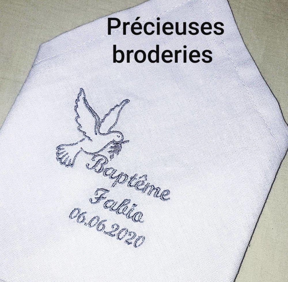 Mouchoir de baptême brodé personnalisé prénoms et date cadeau souvenir
