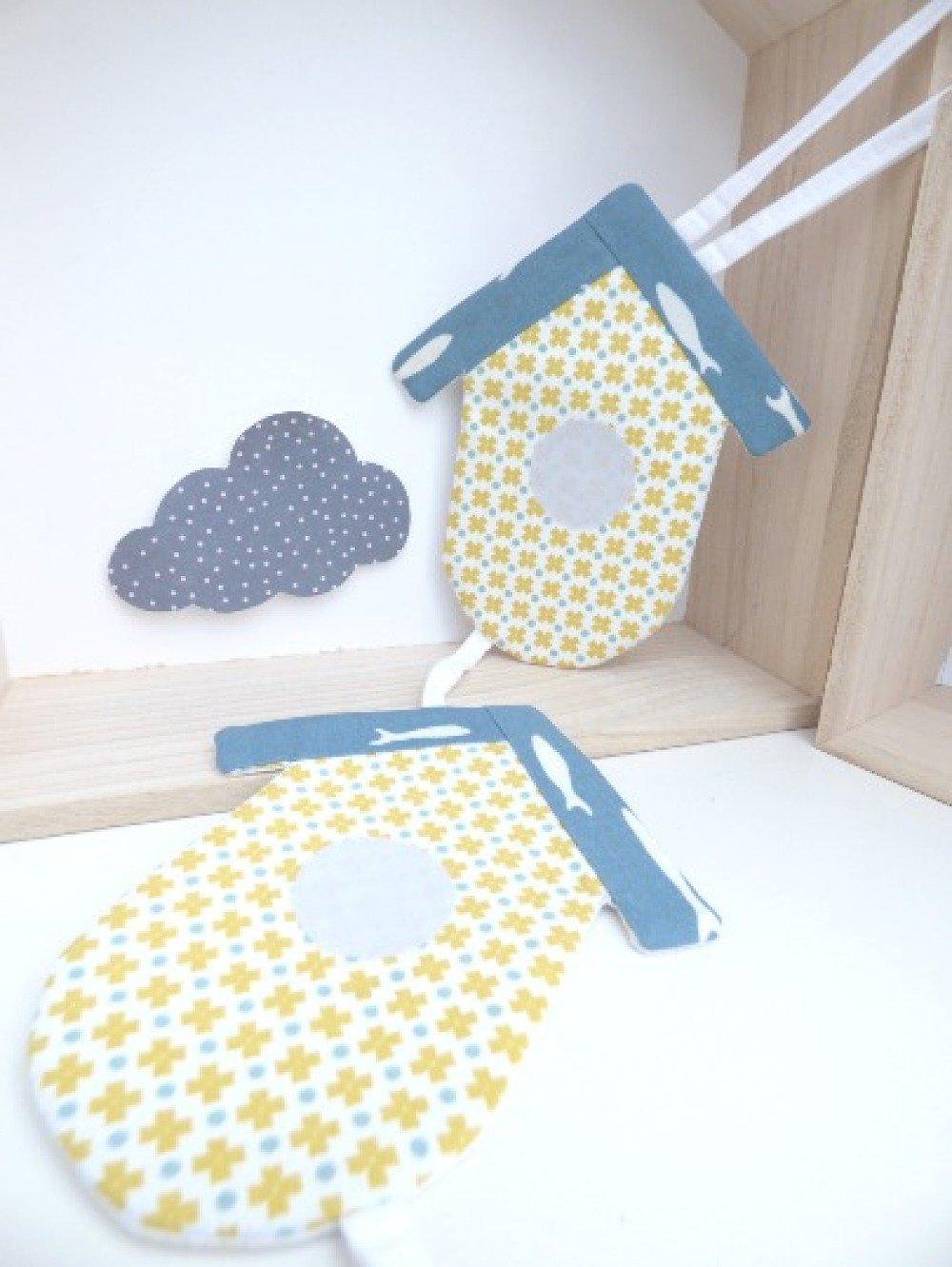 Suspension Nichoirs jaunes_décoration chambre bébé/enfant