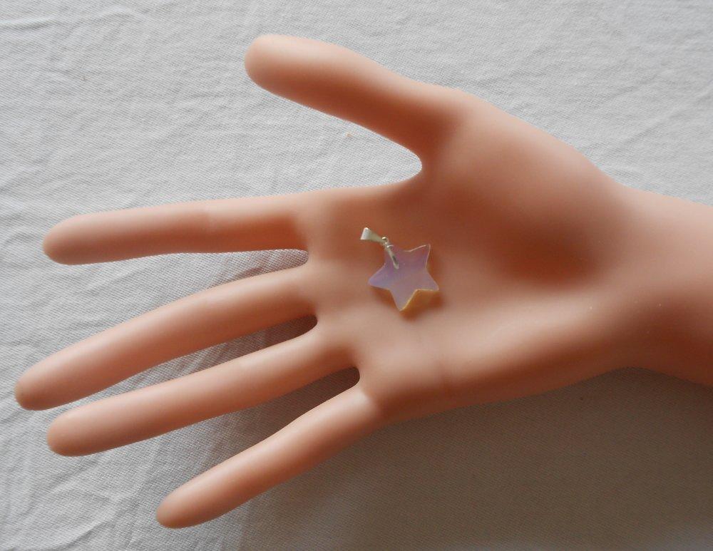 Pendentif opale étoile et laiton argenté, pendentif gemme femme, pendentif gemme vert, pendant pierre semi précieuse