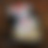 Poupée vaudou en feutrine blanche dans sa boîte cadeau