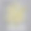 Confettis montgolfières jaune clair, nuages blancs et étoiles couleur au choix