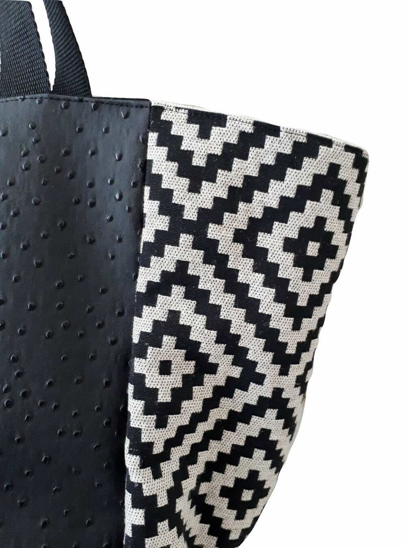 Sac cabas carré collection vanny jacquard et simili cuir autruche doublure 100% coton coloris noir et beige
