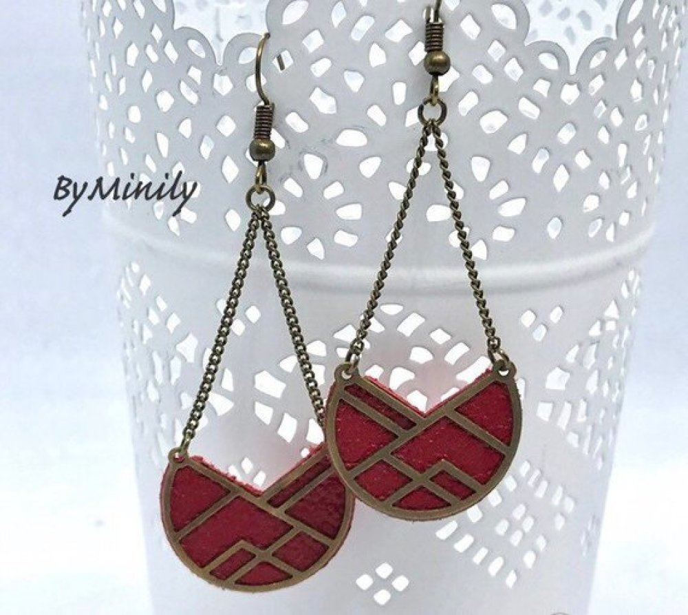 Boucles d'oreilles pendantes cuir - graphique - moderne - bijoux cuir - rouge