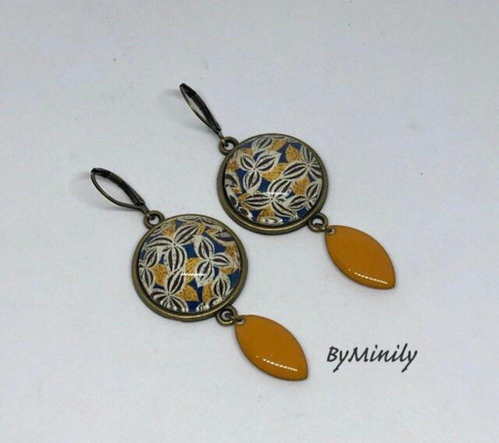 Boucles d'oreille cabochons pendantes sequins émaillés jaune moutarde - wax - fleurdelisé