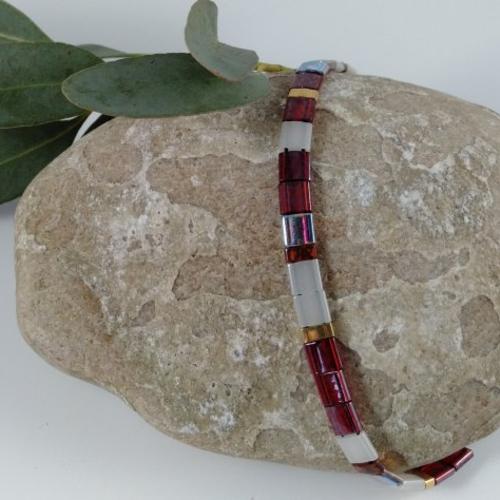 Bracelet perles plates bordeaux