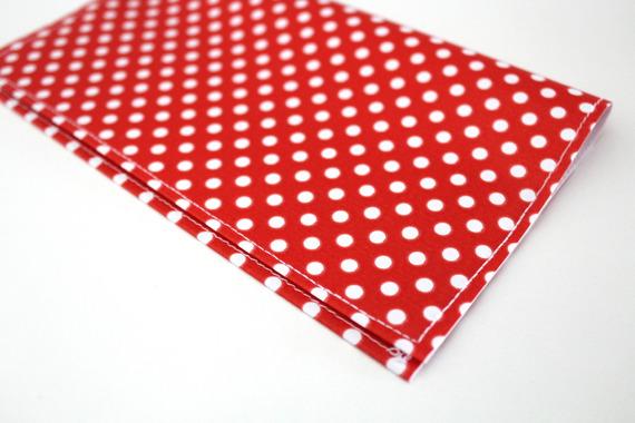 Porte chéquier femme à pois rouge et blanc