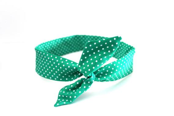 Bandeau rigide femme pois vert et blanc