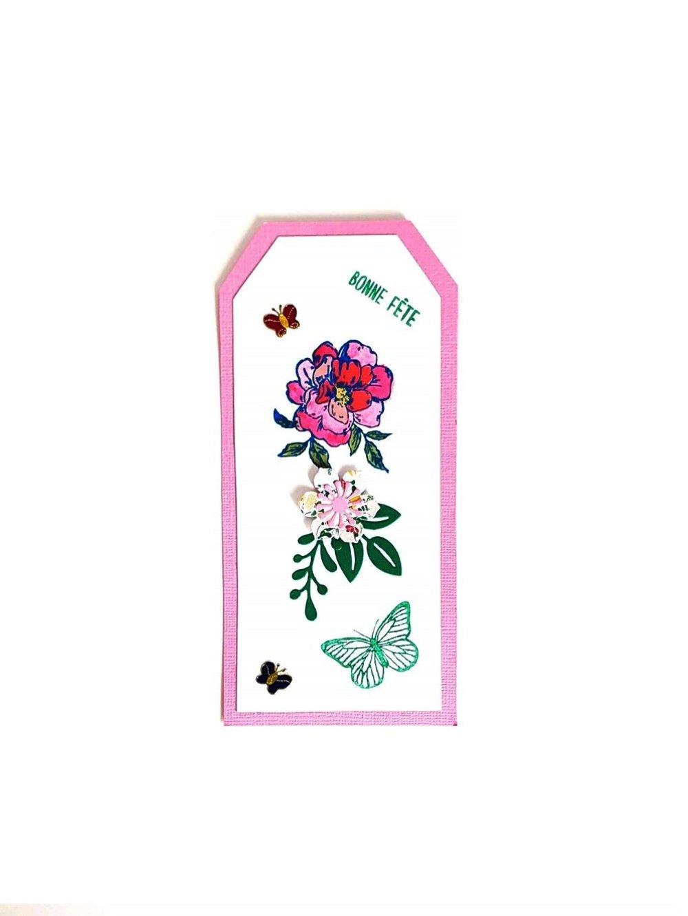 Tag Fête des Mère - carte scrapbboking sur papier de qualité rose et écru avec des motifs de fleurs et feuillage