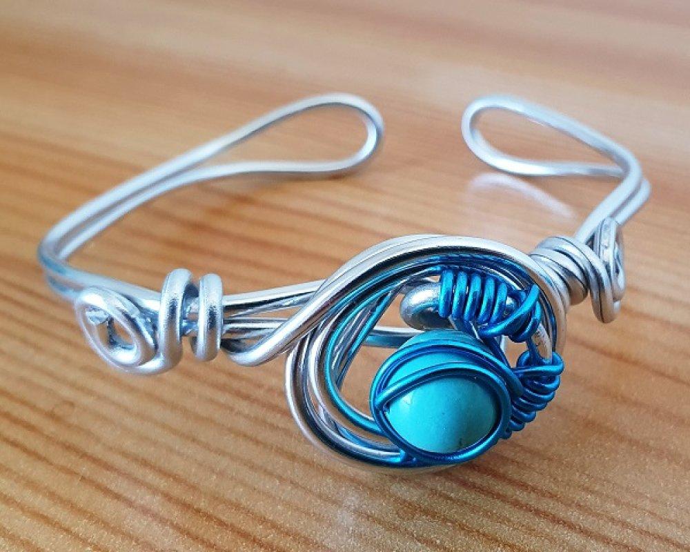 Lot Coeur bleu de pochon en crochet, cotons écologiques, bracelet aluminium turquoise et carte fête des Mères