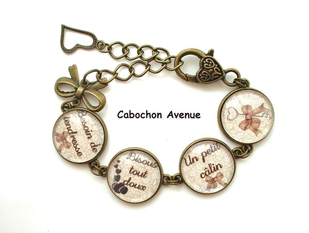 S.7.487 bijou fantaisie bisous tout doux coeurs bracelet bronze 4 cabochons verre idée cadeau maman fête des mères
