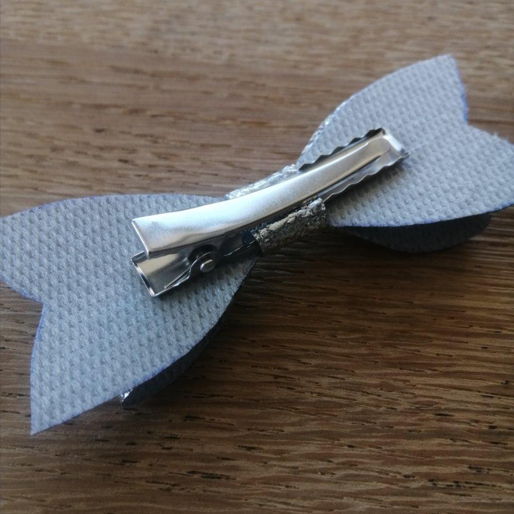 Barrette noeud blanc