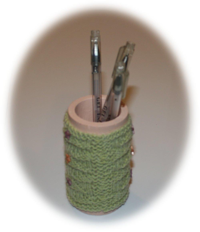 Pot à crayons avec une housse en laine pistache