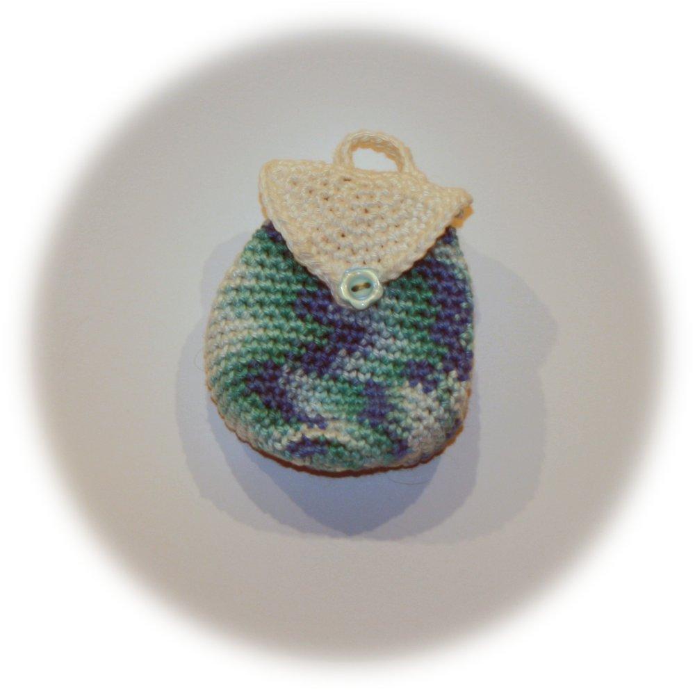 Mini porte-monnaie forme sac à dos en coton bleu bayadère et blanc