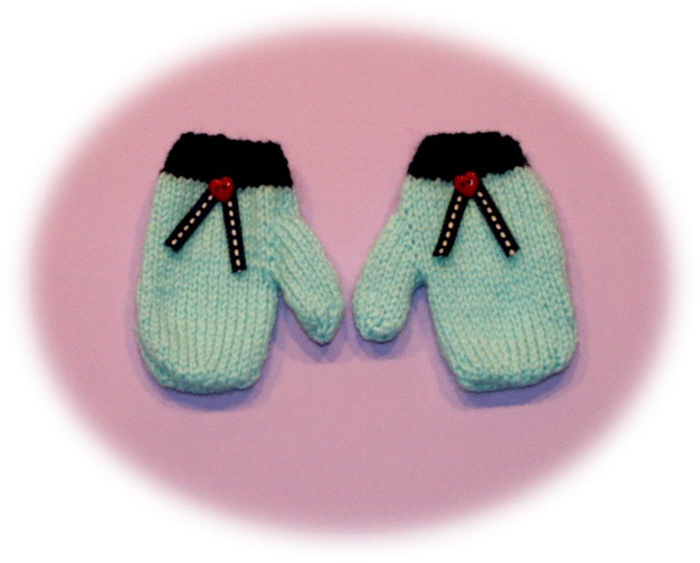 Moufles enfants 18 mois en laine bleu clair et bleu foncé ornées cœur et rubans
