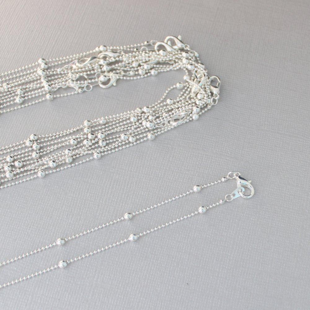 Lot de 12 supports pour colliers 40cm avec chaîne à billes alternées et fermoir mousqueton en cuivre argenté sans nickel