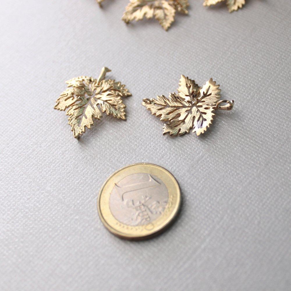 Grands connecteurs Feuille d'érable en laiton doré à l'or fin x 6 - Belle qualité traitée anti-ternissement - 24x28mm