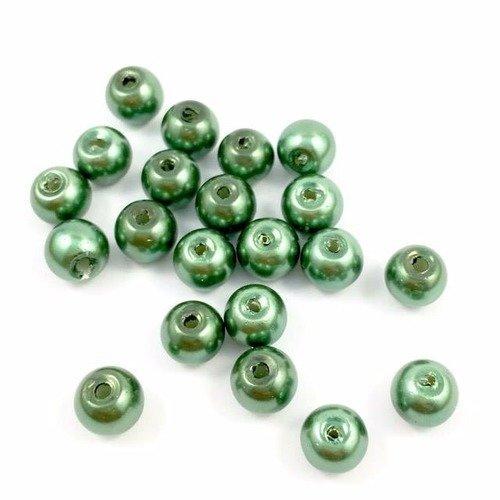 50 perles Nacrées 6mm Vert Métallisé verre de Bohème